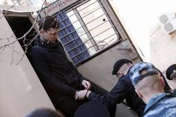 Кокорина и Мамаева доставили в Пресненский суд Москвы на автозаке