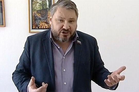 Антон Баков: «Вмире будет править английская королева, либо мывыдвинем своего кандидата»
