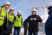 Магдеев проинспектировал ход строительства завода стиральных машин компании Haier