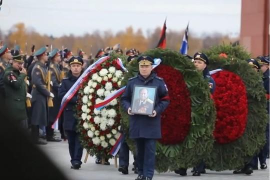 Космонавта Алексея Леонова проводили в последний путь