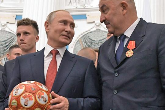 «Обыграли арабов – и на тебе значок»: заслужили ли футболисты звание заслуженных?