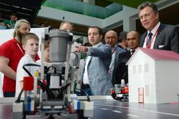 В Иннополисе автору лучшего робота-дворника пообещали в подарок гуся