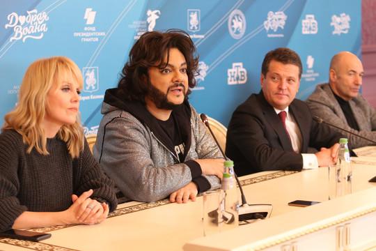 «Добрая волна» в Казани: Крутой привез Киркорова и Валерию