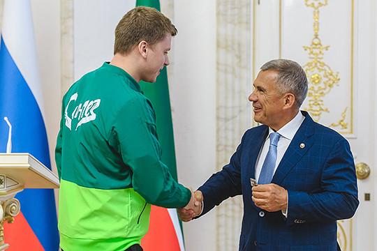Минниханов наградил спортсменов: Алекно– орденом Дружбы, Красных поблагодарил заЧМ