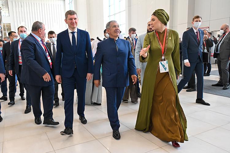 KazanSummit-2021: новый наряд Минуллиной и кофе для Минниханова от турецкого консула