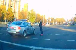 В Белоруссии девушка не пропустила кортеж Лукашенко