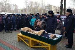 В Нижнекамске прощаются с погибшим полицейским