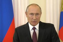 Путин поздравил работников сельского хозяйства: «Надо добиться, чтобы жизнь на селе отвечала современным стандартам»