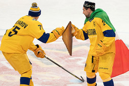 Зарипов вышел с щитом-эчпочмаком и флагом Татарстана на мастер-шоу Матча звезд КХЛ