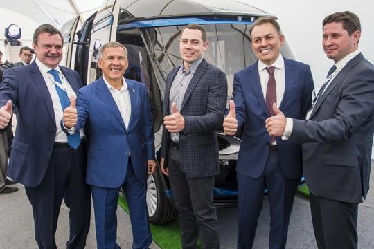 Беспилотный электробус с технологией 5G оценил Минниханов