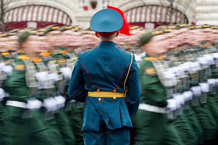 В Москве прошел парад, приуроченный к празднованию Дня Победы