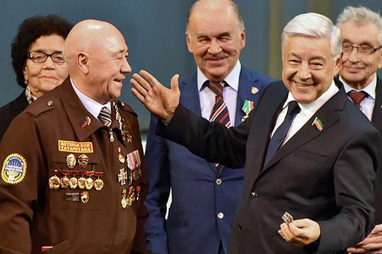 Рустам Минниханов: «Комсомол всегда был вавангарде строителей нашего государства»