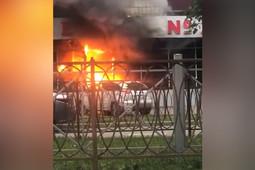 На улице Карбышева в Казани вспыхнул пожар в магазине «Смешные цены»