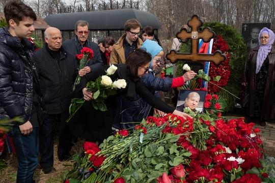 На Арском кладбище похоронили «главного русского в Татарстане» Василия Лихачева