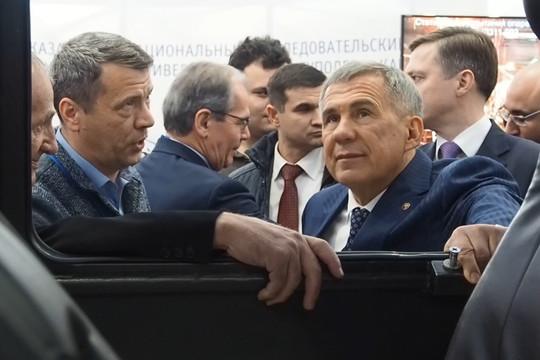 Рустам Минниханов открыл выставку «Машиностроение. Металлообработка. Казань»