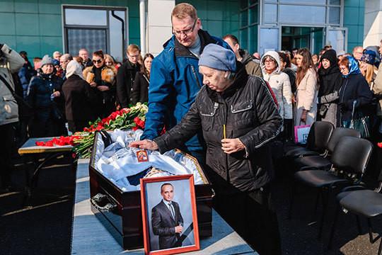 В Казани простились с известным тележурналистом Алексеем Кулешовым