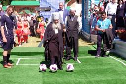 Ильсур Метшин, владыка Феофан и муфтий Татарстана посоревновались в футбольной меткости