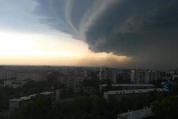 Ураган обрушился на Барнаул