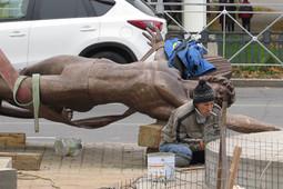 Памятник Рудольфу Нуриеву привезли в Казань