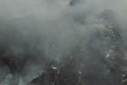 Тушение промышленной свалки у села Прости продолжается