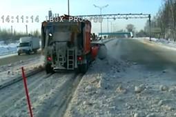 В Татарстане «Нива» залетела под грейдер