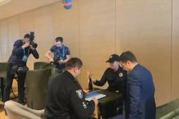 В штаб к Зеленскому пришла полиция