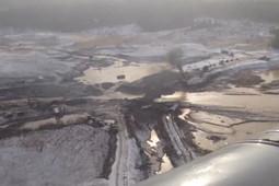 Разрушенную селем дамбу у рудника под Красноярском сняли с вертолета