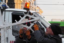 В Казани улицу Баумана украшают к Новому году