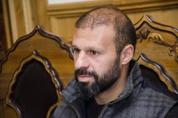 Гекдениз Карадениз устроил вечер для пожилых и рассказал о строительстве мечети