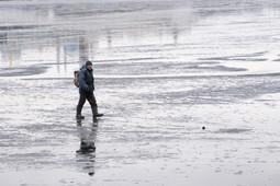 Рыбаки вновь вышли на хрупкий лед Казанки