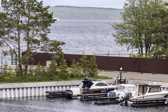 Бывшим женам вход воспрещен, или Как делят яхт-клуб гонщиков «КАМАЗ-Мастера»
