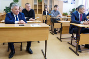 Бурганов с депутатами Госсовета сдал ЕГЭ по истории