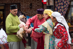В Старо-Татарской слободе прошел театрализованный праздник «Каз өмәсе»