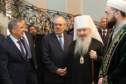Рустам Минниханов: «Как попечителя Гафуров меня приглашает, асам комне неприходит!»