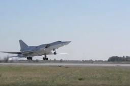 Казанские Ту-22М3 разбомбили условные цели противника