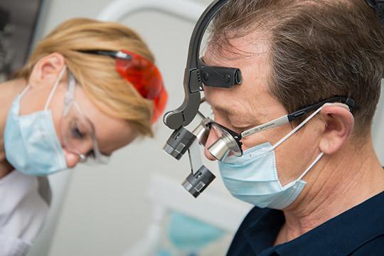 Надоели съемные протезы? Всего за три дня вы получите новые зубы!