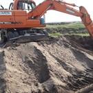 Экологи засекли в Татарстане экскаватор и два «КАМАЗа», которые незаконно добывали полезные ископаемые