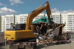 В Казани снесли летнее кафе на проспекте Победы