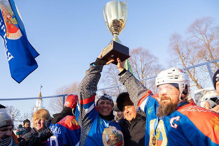 В Раифе сыграли в хоккей на Кубок Дружбы