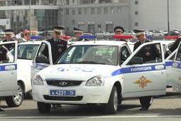Рустам Минниханов вручил управлению ГИБДД новые патрульные авто