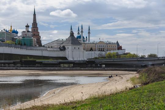 Уровень воды в Волге и Казанке опустился до антирекорда 2010 года