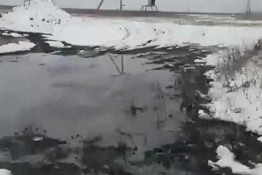 В Татарстане произошел разлив нефти из-за прорыва трубопровода