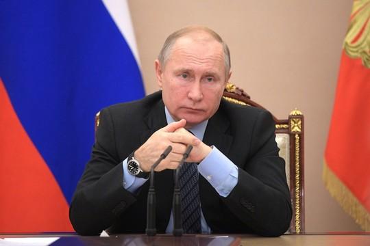 Путин поручил полностью расселить многоэтажку в Магнитогорске