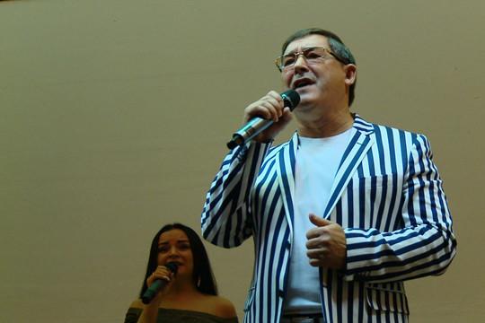 «Мой отец отсидел четыре раза»: Салават дал концерт в ИК-2 Казани