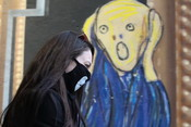 Поможет ли масочный режим избежать коронавирусного карантина в Москве?