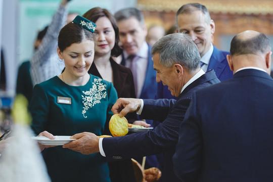 Минниханова на коллегии минсельхозпрода РТ угостили перемячами с картофелем