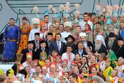 Рустам Минниханов встретился с участниками фестиваля «Мозаика культур»