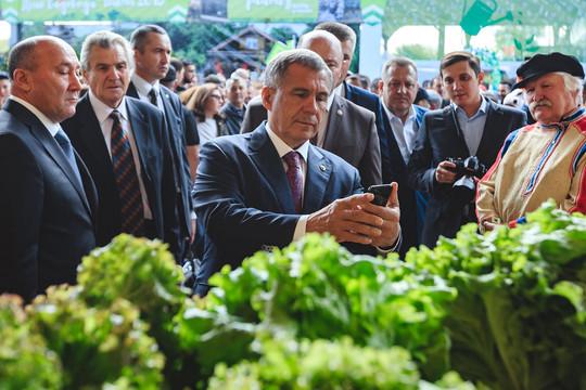 Рустам Минниханов отметил праздник садоводов РТ «Бакча»