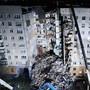 «Я людей понимаю»: Путин поручил полностью расселить многоэтажку в Магнитогорске
