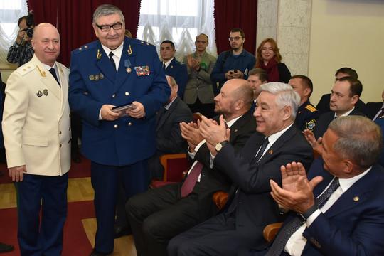 Рустам Минниханов поздравил сотрудников прокуратуры с профессиональным праздником